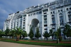 现代大厦木兰,在黑海,巴统,乔治亚的旅馆复合体 免版税库存照片
