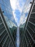 现代大厦的片段在米兰,意大利 免版税库存图片