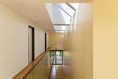 现代大厦,内部 免版税库存图片