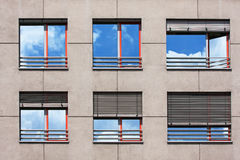 现代大厦Windows  库存照片
