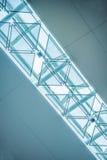 现代天花板低角度视图  免版税图库摄影