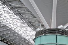 现代寂静和玻璃建筑 免版税库存图片