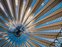 现代屋顶 免版税库存图片