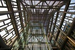 现代工业金属定向塔结构 库存照片
