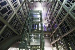 现代工业金属定向塔结构 免版税库存图片