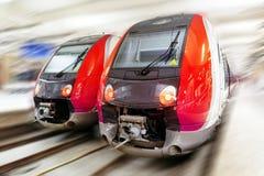 现代快速的旅客列车。行动作用 库存照片