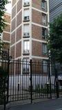 现代房子在巴黎15e区 免版税库存照片