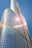 现代摩天大楼在一个夏日的芝加哥 免版税库存照片