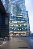 现代摩天大楼在晚上 城市日克里姆林宫室外的莫斯科 俄国 免版税图库摄影