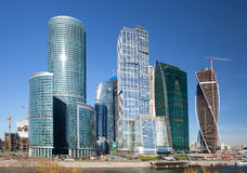 现代摩天大楼的建筑在莫斯科 免版税图库摄影