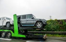 现代新的豪华奔驰车4*4运输 免版税库存图片