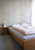 现代最低纲领派旅馆客房 图库摄影