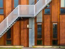 现代木大厦外部 免版税库存照片