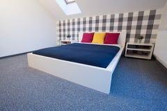 现代样式的卧室 库存照片