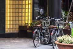 现代欧洲城市街道风景 免版税图库摄影