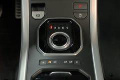 现代汽车内部,瘤变速杆 免版税库存图片