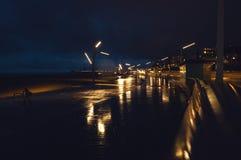 现代海牙小室Haag市中心建筑学在晚上 荷兰 库存照片