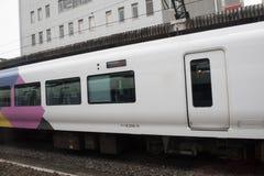 现代火车在日本 库存照片