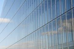 现代玻璃办公楼 免版税库存照片
