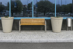 现代的长凳 库存照片
