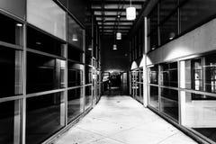 现代建筑学在一个走廊在街市约克,宾夕法尼亚 免版税库存照片