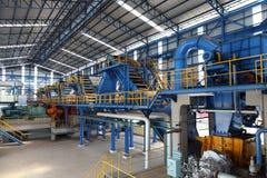 现代糖厂工厂machiner 免版税库存照片