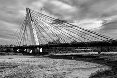 现代缆绳被停留的桥梁 免版税库存图片