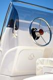 现代航行游艇方向盘 库存图片