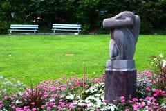 现代艺术雕塑在公园,蒙特勒 免版税库存图片