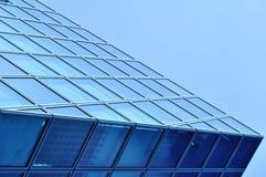 现代蓝色玻璃商业中心 免版税图库摄影