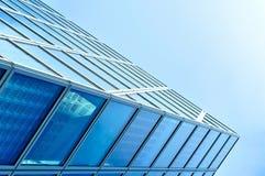 现代蓝色玻璃商业中心 免版税库存图片