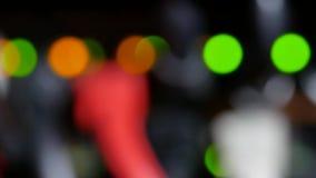 现代运转的数据服务器Defocused光有缆绳和闪动的LED光的 影视素材