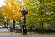 现代雕塑在多伦多,加拿大 库存照片