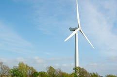 现代风车涡轮,风力 免版税图库摄影