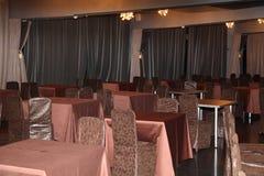 现代餐馆内在景色  用餐旅馆餐馆 库存照片