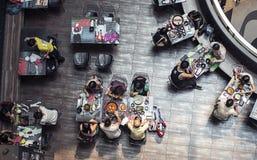 现代餐馆咖啡馆视图从上面 免版税图库摄影