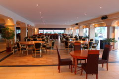 现代餐馆家具 免版税库存图片
