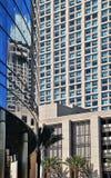 现代高层建筑物在圣地亚哥 免版税库存照片