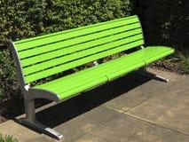 现代鲜绿色的长凳 库存图片