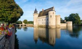 玷污苏尔卢瓦尔河,法国大别墅  免版税库存照片