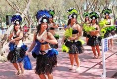 玻利尼西亚舞蹈演员 库存图片