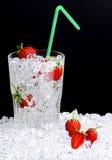 玻璃冰草莓 免版税库存照片