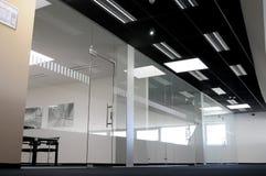 玻璃办公室 免版税库存照片