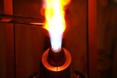 玻璃吹制火焰关闭  免版税库存图片