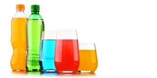 玻璃和瓶被分类的碳酸化合的软饮料 免版税库存图片