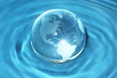 玻璃地球水 免版税库存图片