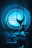 玻璃板葡萄酒杯 免版税库存图片