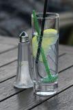 玻璃柠檬碳酸钠 库存照片