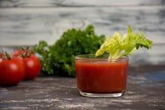 玻璃汁液蕃茄 免版税库存照片
