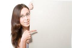 玻璃沙纸页妇女 免版税库存照片